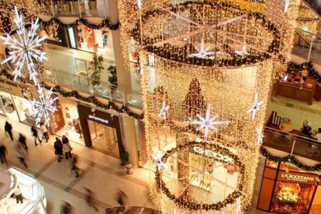 Украшения магазинов к новому году