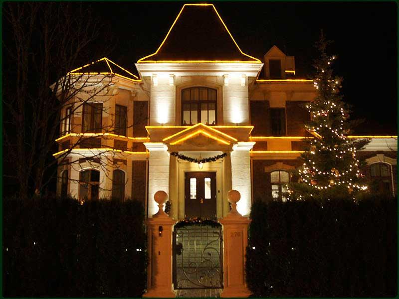 Украшение фасадов домов к новому году