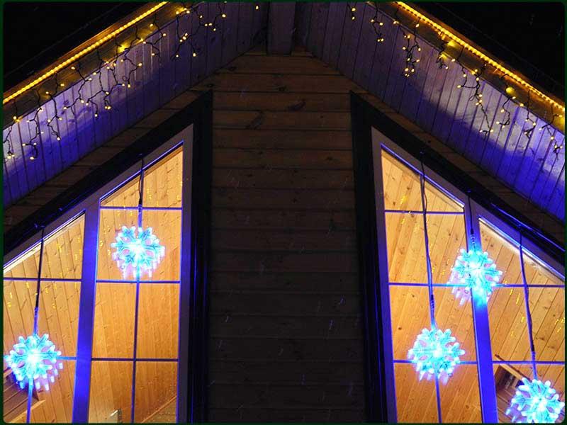 Световое оформление фасадов домов к новому году